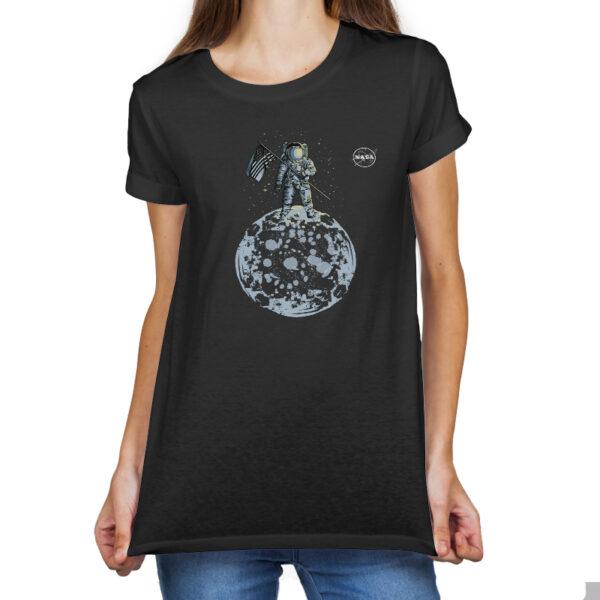 Camiseta Feminina Preta - 100% Algodão - Ilustração Homem na Lua Logo NASA Meatball