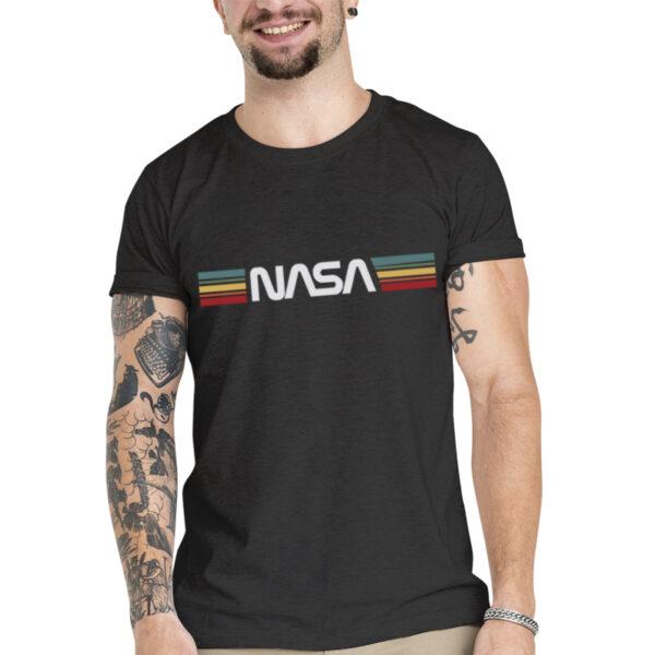 Camisata Unissex Preta - 100% Algodão - Logo NASA Worm Sobre Listras