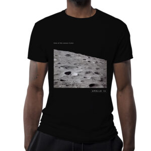 Camiseta Unissex Preta – 100% Algodão – Foto Leonov Crater