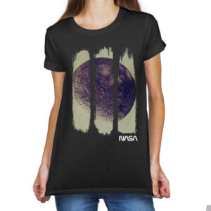 Camiseta Feminina Preta – 100% Algodão – Foto Em Negativo Da Lua Capturada Durante Missão Apollo 16